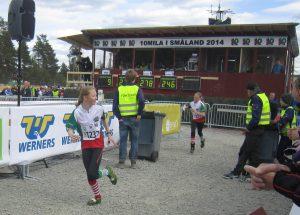 Helle og Andrine. Tiomila 2014.