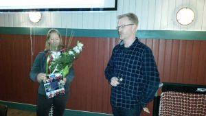 Ida Vår takkes av og Tom overtar lederklubba. Årsmøteet 2. februar 2016.